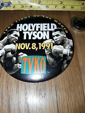 VINTAGE 1990s HEAVYWEIGHT BOXER MIKE TYSON v HOLYFIELD BOXING PIN PINBACK BADGE