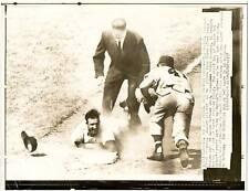 1957 Wire Photo St Louis Cardinals Stan Musial & Milwaukee Braves Eddie Mathews