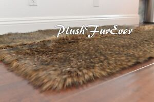 PlushFurEver Faux Fur Rug/ Coyote Skin Animal Pelt Rectangle Accents Rugs 4' x 5