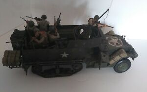 21st Century Toys 1:18 US Army Halftrack with 5 soldiers, weapons and acessories