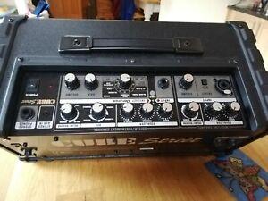 Roland Cube Street Amp, Guitar/keyboard/instrument amp, Busker's amp