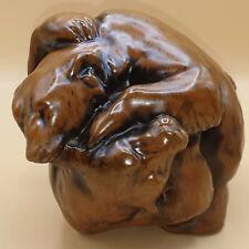 Ausdrucksstarke Keramikfigur zwei kämpfende Bären, sehr gute Qualität