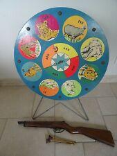 jouet ancien CIBLE TOURNANTE EN BOIS SGDG avec son fusil et flechettes old toy