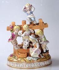 Kinder am Zaun Porzellanfigur Kinder-Figurengruppe Porzellan