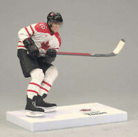 Mcfarlane NHL TEAM CANADA JONATHAN TOEWS WHITE JERSEY Chicago Blackhawks LOOSE