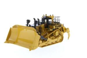 Cat Caterpillar D11 Fusion Track Type Tractor 1/50 Scale Diecast Masters 85604