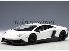 AUTOart 74683 LAMBORGHINI AVENTADOR LP720-4 50TH ANNIV. 1/18 DIECAST MATTE WHITE
