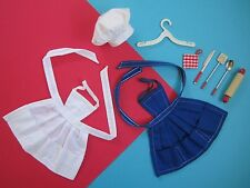 Barbie Vintage WHAT'S COOKIN' White Blue Two Aprons Fashion Pak Free Shipping US