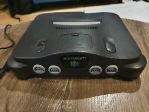 Nintendo N64 PAL Console with MarioKart 64, GoldenEye 007 + 2 Controllers