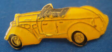 PINS AUTO AUTOMOBILE VOITURE JAUNE DECAPOTABLE