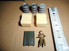 DUKW AMPHIBIE DINKY TOYS N° 825  PIECES D'ORIGINE PAS COPIES  lot 2