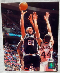 Tim Duncan signed 8x10 photo San Antonio Spurs basketball w/ BECKETT BAS