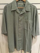 Men's Hawaiian Style Shirt ~ Short Sleeve Button Down Plaid ~ Size L Large EUC