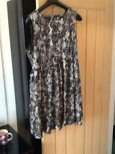 papaya lace and satin tea dress stylish and weighty fabric so warm