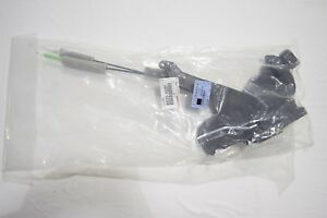 GENUINE LEXUS LS430 02-06 FRONT (RH) NEW DOOR ACTUATOR LOCK ASSY 69030-50251 OEM