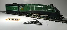 "HORNBY 00 GAUGE - CLASS A4 GREEN ""GOLDEN EAGLE"" LOCOMOTIVE - UNBOXED #166"