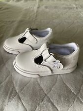 New listing Keds Daphne T Strap Sneakers White Size 4M US Little Girls Leather Shoes