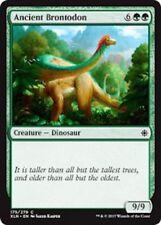 4x Ancient Brontodon // NM // Ixalan // engl. // Magic the Gathering