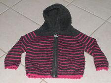 386 - Veste à capuche 3 ans tricotée main grise à rayures roses style marin