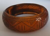 Art Deco - lucite Bangle - Carved