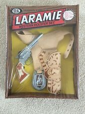 1983 IDEAL TOYS LARAMIE WESTERN HOLSTER AND DIECAST GUN SET MINT IN UNOPENED BOX