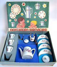 Ancienne Dinette Porcelaine 60 's Cafetière Tasses Sucrier en Boite