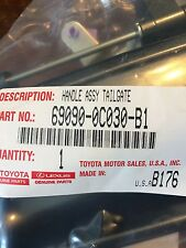 GENUINE TOYOTA TUNDRA 2005 TAILGATE HANDLE COLOR MATCHED COLOR 1E3 GREY