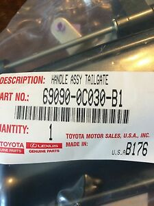 GENUINE TOYOTA TUNDRA 2000-2006 TAILGATE HANDLE COLOR MATCHED COLOR 1E3 GREY
