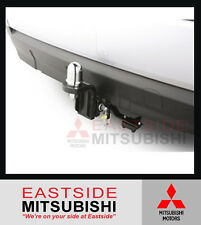 NEW GENUINE MITSUBISHI TOWBAR KIT OUTLANDER ZK 2015 ON PETROL DIESEL MZ350572