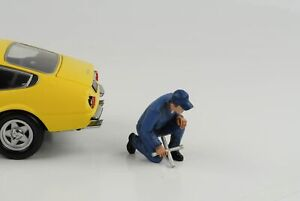 Mechanic Workshop Juan Wheel Change Figurine Figurines 1:18 American Diorama