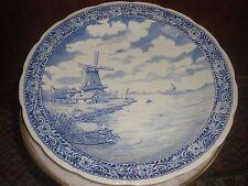 GRAND plat en faience style Delft Villeroy et Boch signé chattel Diamètre 40 cm