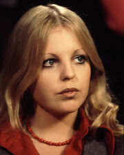 Sally Thomsett UNSIGNED photo - H6254 - Man About the House