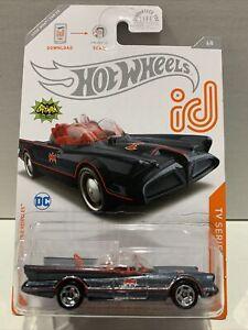 HOT WHEELS 2020 id #6 TV SERIES BATMOBILE 1966 CHASE HW car Protector