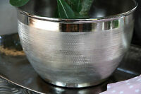 * Schale Metall Alu vernickelt gehämmert glänzend Übertopf
