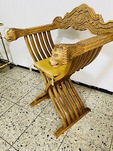 Historischer Ritterstuhl, Herren Scherenstuhl Löwenkopf, selten Vintage Sessel