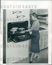 1954 Housewife Using Westinghouse Range Oven Stove Press Photo