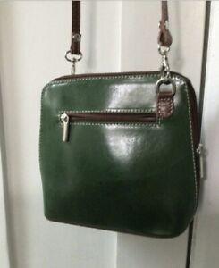 Vera Pelle green leather shoulder bag