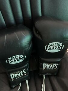 Cleto Reyes Professional Lace Up  Boxing Gloves - Black
