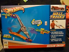 Hot Wheels Wall Tracks SEESAW SMASH Track Set - With Car - Car Powered Action (2