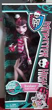 Monster High Doll Skull Shores DRACULAURA NIB