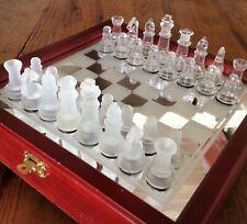 Jeu d'échecs en verre pions verre lisse et dépoli coffret bois échiquier 26x26