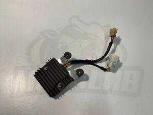 Honda CBR 600 rr 2003 - 2004 PC37 voltage regulator