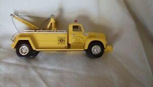 international diecast Philadelphia, PA fire department tow truck