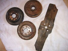 1940's 1950's Jeep Pulleys and fan flat rate box                        my # 526
