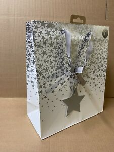 36 WHITE WITH SILVER STARS CHRISTMAS GIFT BAGS PRESENT JOBLOT WHOLESALE SHOP XM5
