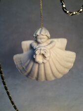 """Margaret Furlong Retired Sea Shell Angel 4"""" with Wreath 1985 Christmas Ornament"""