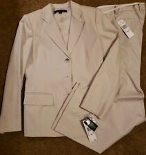 Anne Klein Pant Suit. NWT. Cream 2 piece. Retail $320. 3 button. Size 10.