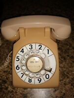 1979 Vtg Western Electric Bell System 500DM Pinkish-Tan Rotary Dial Desk Phone