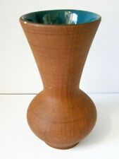 VINTAGE AUSTRALIAN POTTERY BROWN CROSS-HATCH VASE with TEAL BLUE INTERIOR