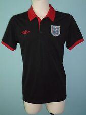 Umbro England Red & Black Training Polo Shirt Jersey Football size MEDIUM #867